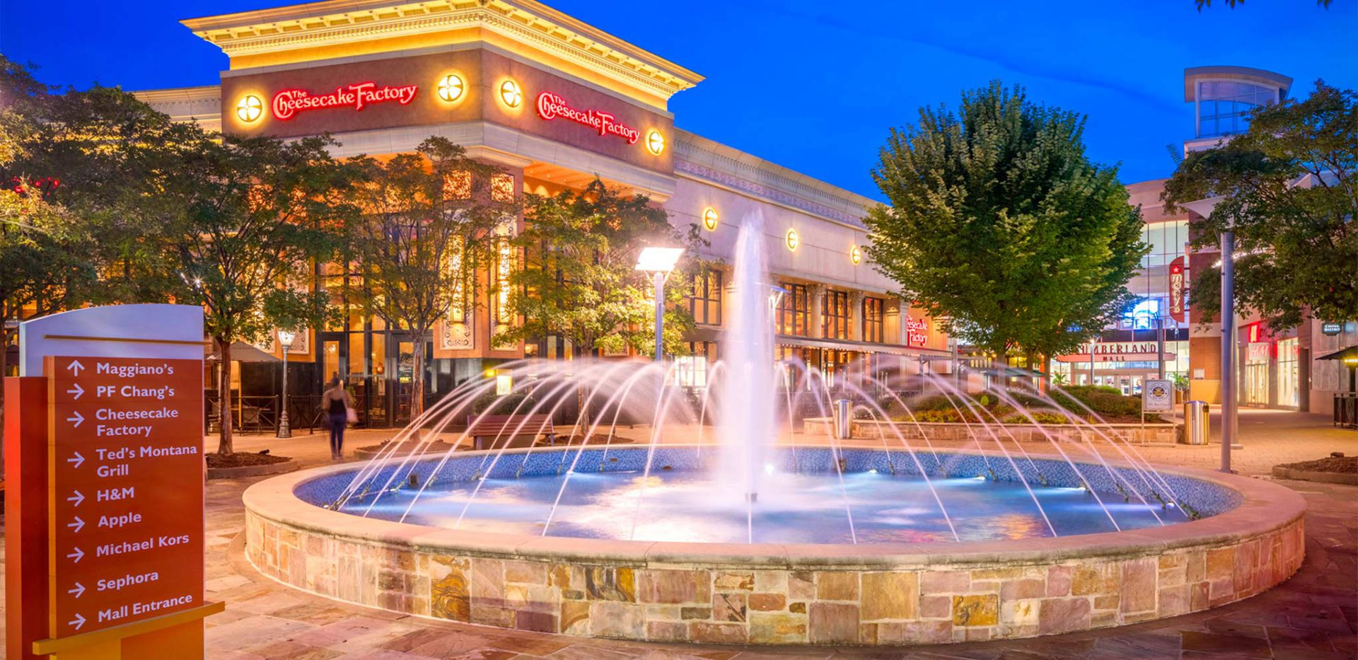 """<h3>Shop & Eat at Any of Smyrna-Vinings' Excellent Shopping Districts</h3>""""> </div> <div class="""