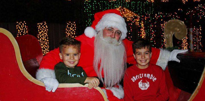 "<h3>Jhonson's Christmas Corner</h3>""> </div> <div class="