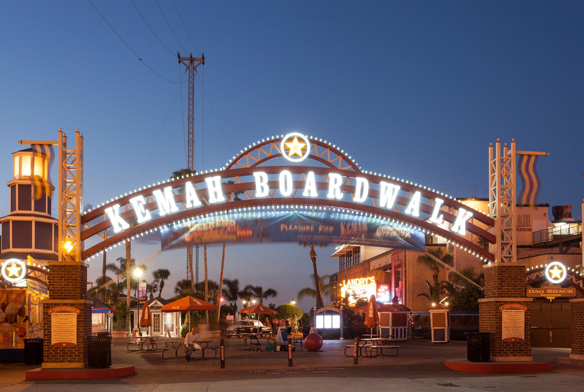 "<h3>Kemah Boardwalk</h3>""> </div> <div class="